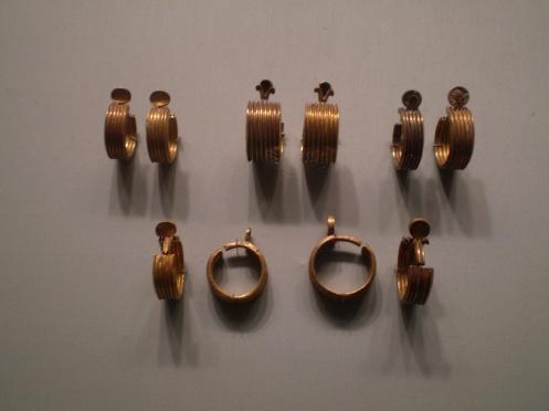 Earrings - reign of Thutmose III - Egyptian